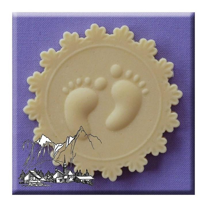 Alphabet moulds baby feet culpitt for Baby feet decoration